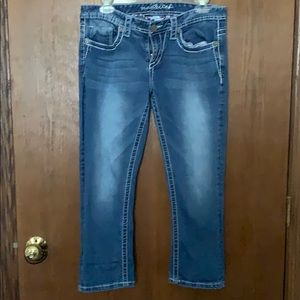Maurices Blue Wash Denim Capri Size 7/8